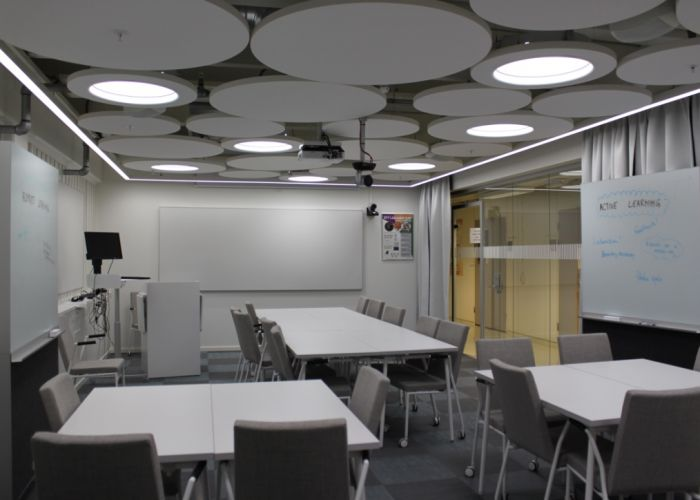 Chalmers_Hybrid_room_without_students